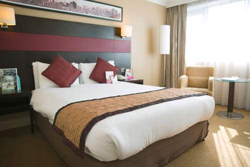 Crowne Plaza Manchester Airport room