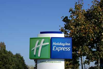 Holiday Inn Express Gatwick Sign