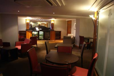 Heathrow Crowne Plaza Bar
