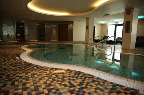 Hilton Heathrow Airport pool