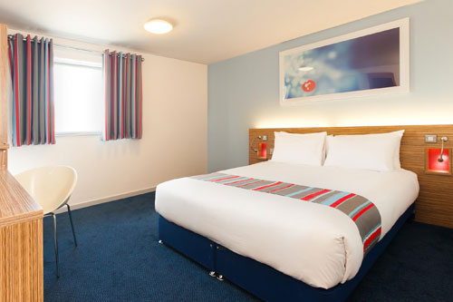 Travelodge Gatwick Airport room